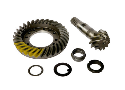 FORD CARRARO FRONT CROWN WHEEL & PINION 81863254