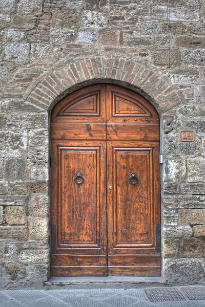 2009_09 Italy Doorknobs
