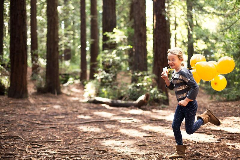 129_1running_balloons_forest_1398.jpg