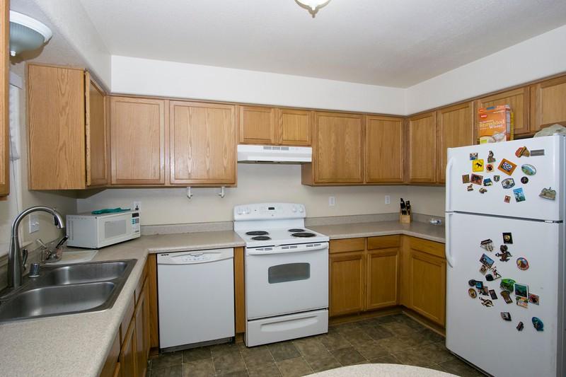kitchen c.jpg