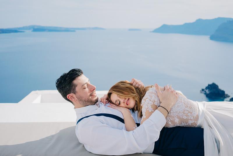 Tu-Nguyen-Wedding-Photography-Videography-Hochzeitsfotograaf-Engagement-Santorini-Oia-Greece-Thira-26.jpg