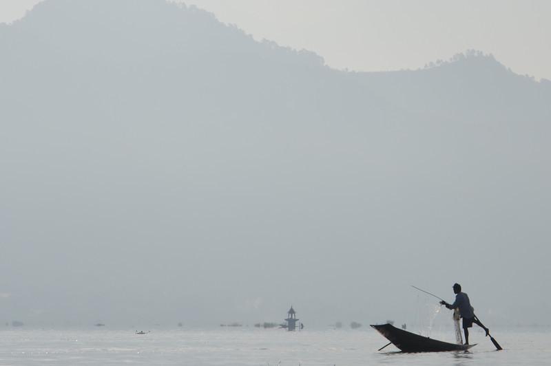 DSC_4295-intha-fisherman.JPG