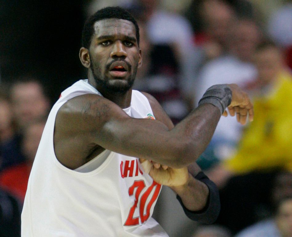 . Ohio State center Greg Oden (20) in action against Georgetown in the men\'s semifinal basketball game at the Final Four in the Georgia Dome in Atlanta Saturday, March 31, 2007. Ohio State defeated Georgetown 67-60 to advance to the championship game. (AP Photo/Mark Humphrey)