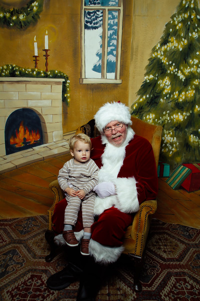 Pictures with Santa Earthbound 12.2.2017-101.jpg