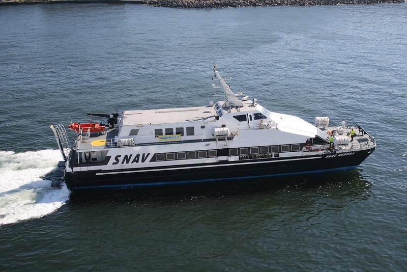 2009 - HSC SNAV AURORA arriving to Napoli.