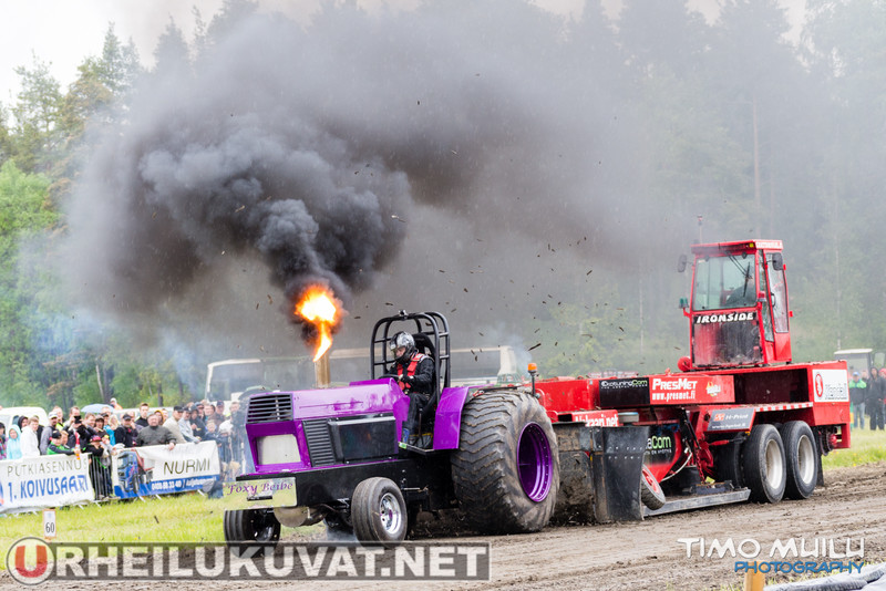 Tractor Pulling