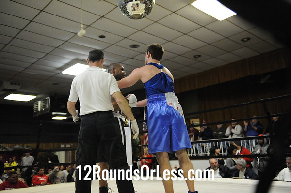 Joe Session (Fremont Wreckers) vs Mickey Ford-Walk (Monroe)  Novice Division  Bout # 11