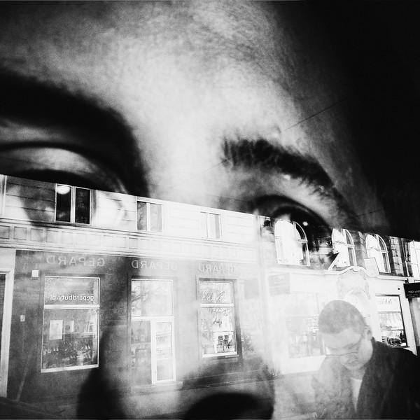Mono Eyes 55 x 55cm.jpg