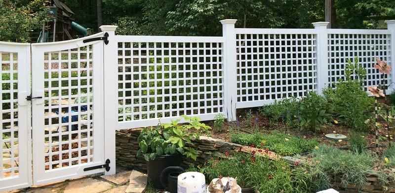 494931 - Lattice fence and gates