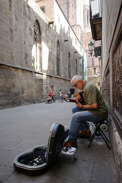 4816_Barcelona_Street_Musician.jpg