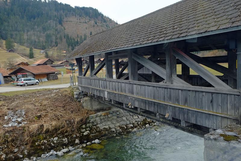 Train Lucerne to Geneva 06.jpg