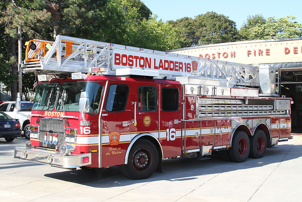BOSTON 2011 VEHICLES & FIREHOUSES