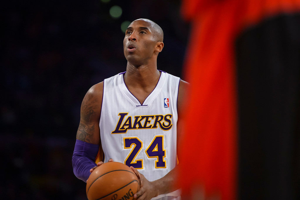 . Lakers� Kobe Bryant shoots a field goal during first half action at Staples Center Sunday, December 8, 2013.   ( Photo by David Crane/Los Angeles Daily News )