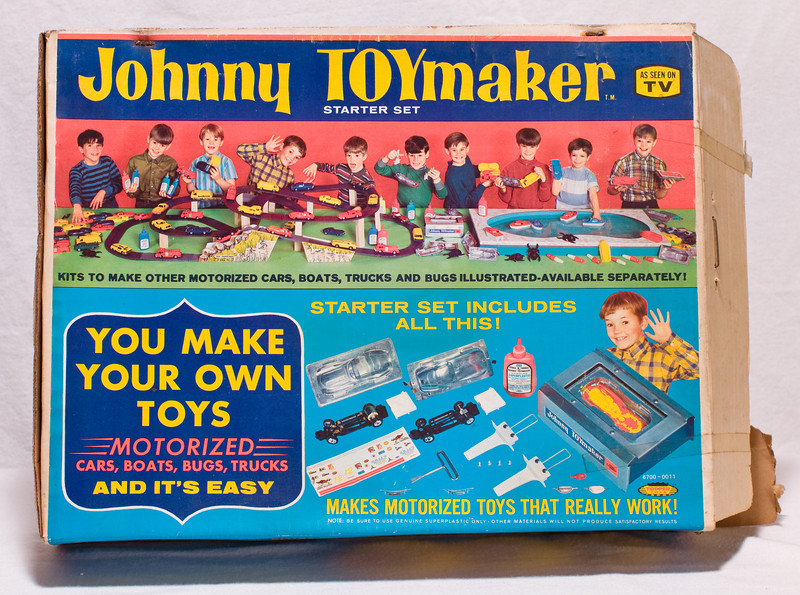 Johnny Toymaker starter set, condition unclear.  At Robillard.