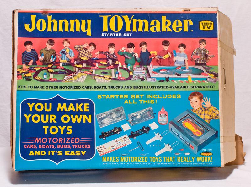 Johnny Toymaker starter set, condition unclear.  At Robillard.
