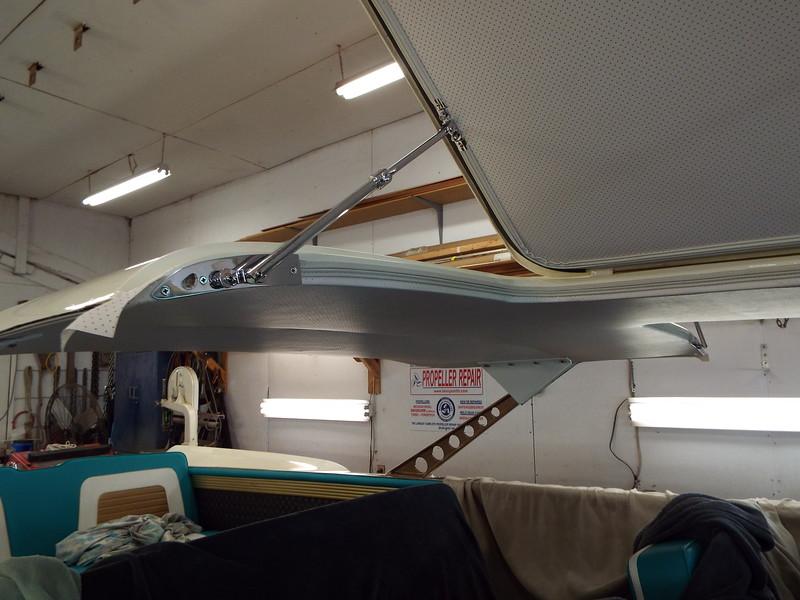 Rear starboard door support.