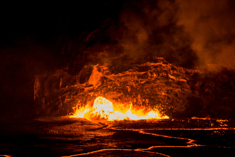 volcano eruption Halamaumau Crater LRE -3635-2.jpg