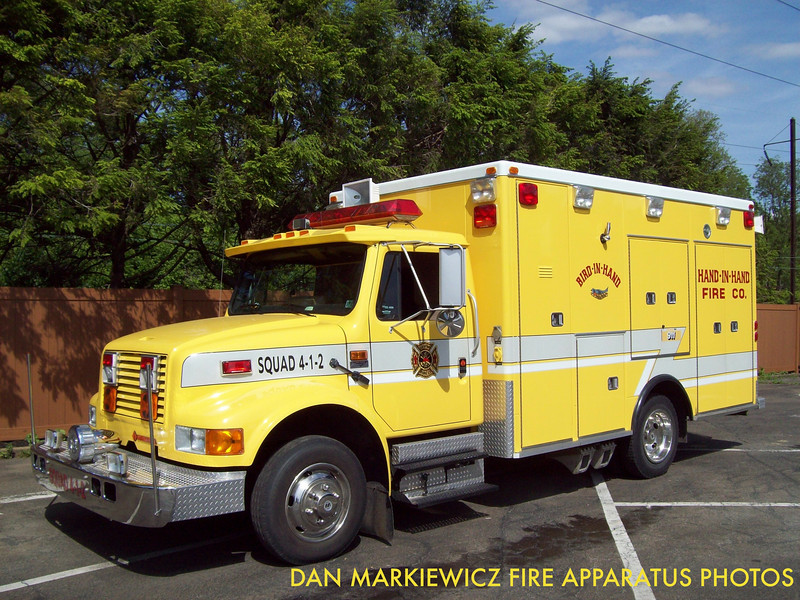 HAND IN HAND FIRE CO. SQUAD 4-1-2 1990 INTERNATIONAL/ROAD RESCUE TRAFFIC UNIT