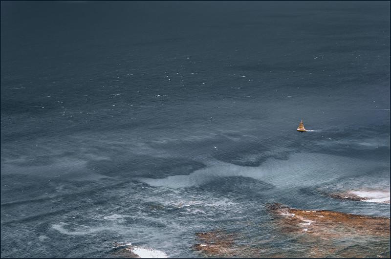 hawaiisailboat.jpg