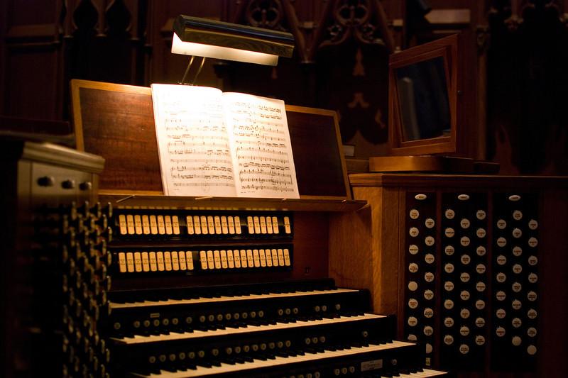 Grace Cathedral Organ Keyboard