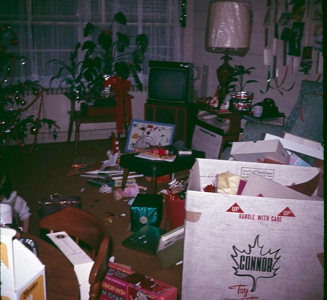 1969 12 Christmas 20.jpg