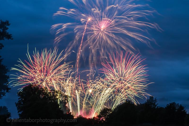 Newby fireworks 2017-30.jpg