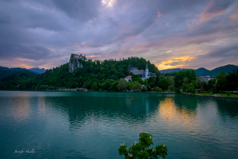 castle bled and alps sunset3.jpg