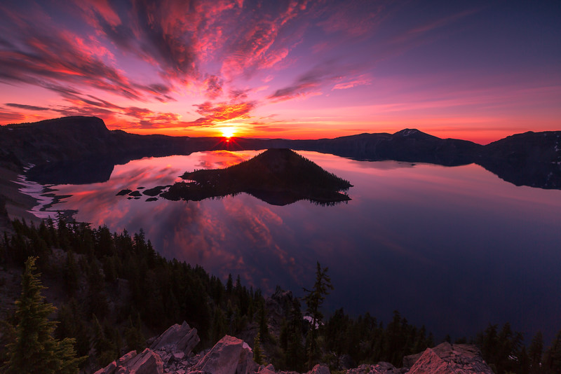 Oregon Wild-Sunrise of the Crater Lake.jpg