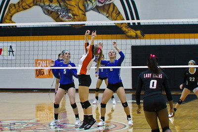 2017_10_06 VB Van Alstyne vs Commerce