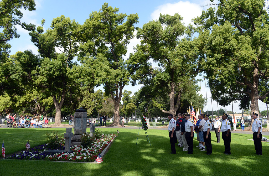. 0528_NWS_IDB_L-POMONA-03-JCM (Jennifer Cappuccio Maher/Staff Photographer) Memorial Day services Monday, May 27, 2013, at Pomona Valley Memorial Park in Pomona.