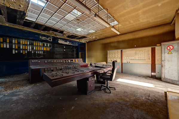 Factory Dusty and Rusty - Control Room S. II (BE)