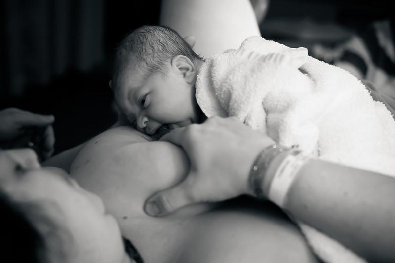 Alana, Blair and baby Logan BIRTH-202.jpg