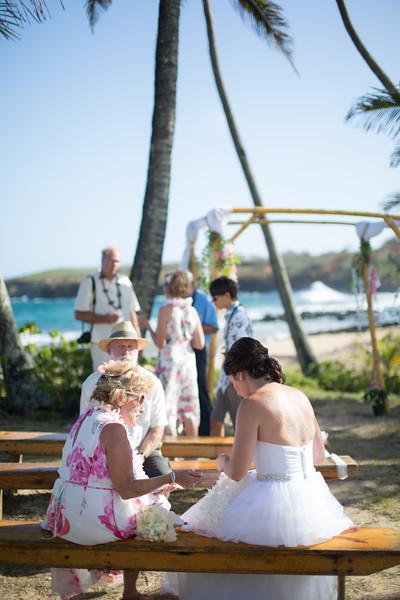 gillin beach kauai wedding-131.jpg