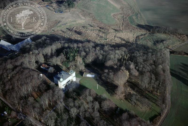 Bjärsjöholm estate with farmland. (20 November, 1988). | LH.0316