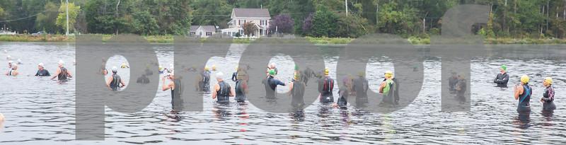 Swim Start Wave 1 0813 - 0816 am (17)