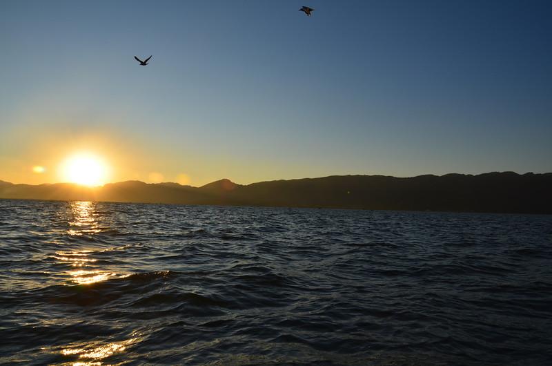 DSC_4526-sunset-on-the-lake.JPG