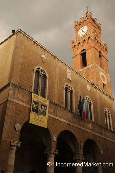 Our Humble Wedding Sight - Palazzo Comunale in Pienza