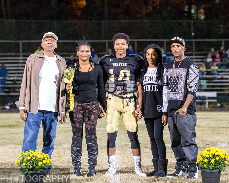 keithraynorphotography wghs football seniors  -1-9.jpg
