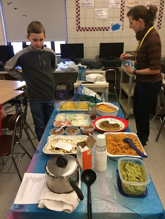 01_30_17 GMMS Spanish class lunch