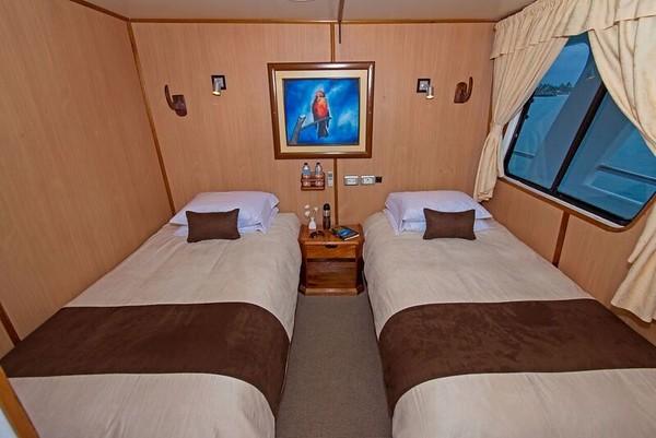 yolita-twin-cabin.jpg
