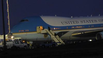 2014/02/14 >> Obama comes through town.