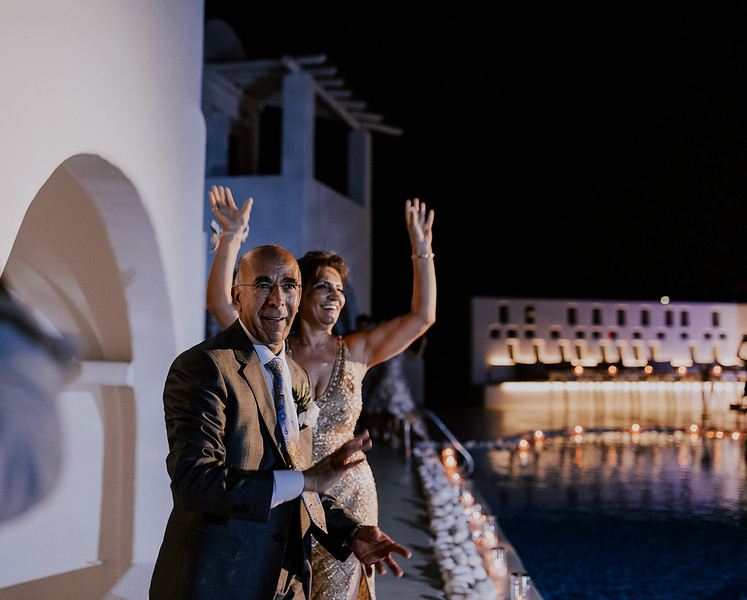 Tu-Nguyen-Destination-Wedding-Photographer-Santorini-Rocabella-Hotel-Euna-Ehsan-726.jpg