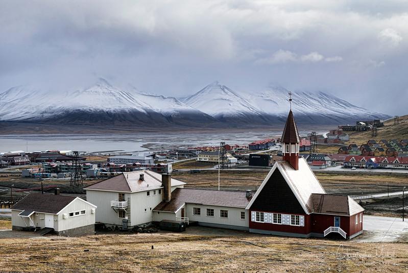 8-28-16169380 Longyearbyen Svalbard.jpg