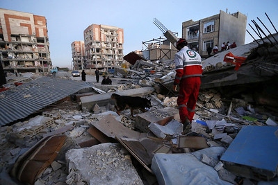 over-400-dead-from-earthquake-in-iraniraq-border-area