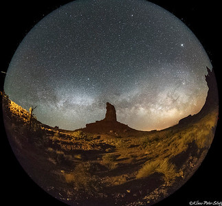 8- Monument Valley (night)