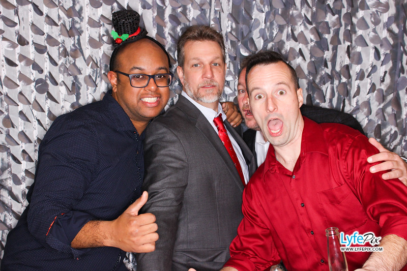 red-hawk-2017-holiday-party-beltsville-maryland-sheraton-photo-booth-0306.jpg