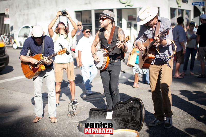 VenicePaparazzi-430.jpg