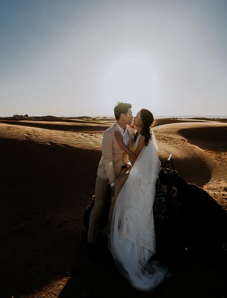 Tu-Nguyen-Destination-Wedding-Photographer-Morocco-Videographer-Sahara-Elopement-520.jpg