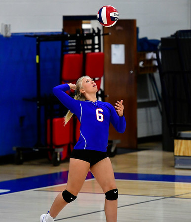 10/11/2019 Mike Orazzi | StaffrSt. Paul's Ava Hampton (6) during Thursday nights girls volleyball with Torrington in Bristol.