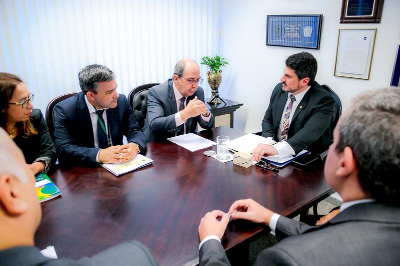 Representantes FRENTAS_Senador Marcos do Val_Foto Felipe Menezes_04.jpg